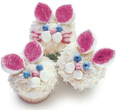 Easter Bunny Cupcakes Recipe!  {SO cute for your Easter parties!} #easter #bunny #cupcakes