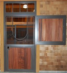 How to pick a Dutch Door design for your horse barn.