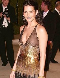 Native Beauty, Angie Harmon, married to Jason Seahorse, Dad, Larry Harmon, TX...heritage Greek/Cherokee