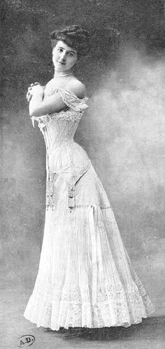 отто трикотажные платья
