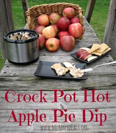 Crock Pot Hot Apple Pie Dip is di-vine and great for a low carb diet from #mummydeals #crockpot #recipes #slowcooker