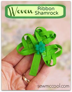 #St.PatricksDay is coming sooner than you think! Dress up with this cute woven ribbon shamrock clip. Full tutorial by sewmccool.com!