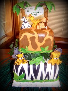 jungle baby shower cake with fondont animals