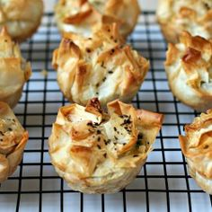 Little Spinach Pies | FoodEpix