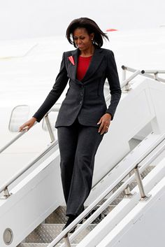 power suit, ladi michell, first ladies, grey suits, michelle obama, obamafirst ladi, look books, michell obamafirst, ladi obama