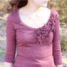 Always in Season Poinsettia Tee - Inspired by a flower that looks great all winter long, this DIY tee shirt is festive without being gaudy.