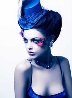 glamorous makeup, top hats, feathers, hair, blues, art pieces, moulin rouge, eye, party makeup