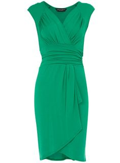 Beautiful green dress. Not sure I could pull off the green, but I love the dress.
