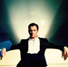 Tony Goldwyn has grown into a man I need to munch. Right there...where his collar meets his neck... *smirk.*