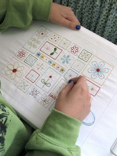 A whole embroidery project of Daisy Love! Yes!!!! From:Bee In My Bonnet