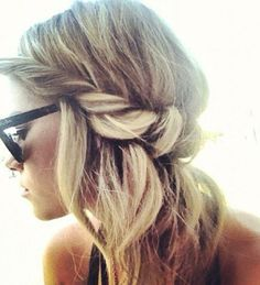 Beachy waves and braid