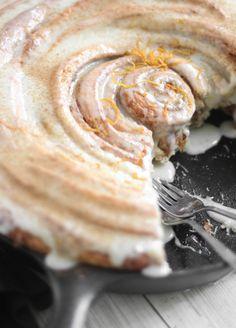 Sprinkle Bakes: Giant Skillet Cinnamon Roll
