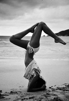 yoga is so great for getting in shape both mentally and physically- both are things that are important to strengthen #aritziacleanslate fit, morning yoga, yoga teacher training, yoga on the beach, beach poses, yoga poses, beach bodies, bikini motivation, beach yoga