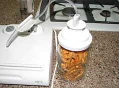 Food Saver /Vac and Seal machine WITH wide mouth canning jar sealer attachment!!!!!