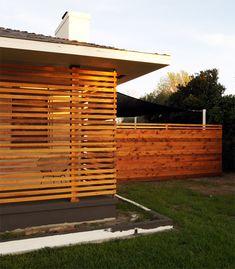 slat wall, horizontal fence