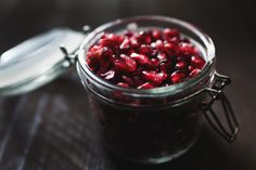 A great how-to on prepping pomegranate seeds