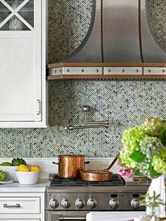 back splashes, kitchen backsplash, rustic kitchens, kitchen interior, range hoods, herringbone, mosaic tiles, glass tiles, kitchen tiles