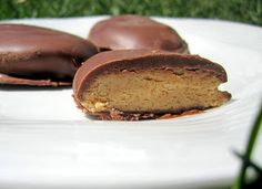 Izzy in the Kitchen: Homemade Reese's Peanut Butter Eggs