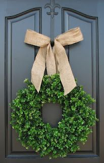 DIY inspiration classic wreath
