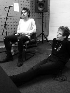 Michael Clifford & Luke Hemmings <3 5SOS <3 5 Seconds of Summer <3