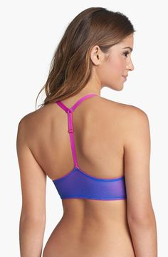 The perfect bra for racer-back t's and tanks.