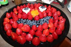 Healthy snack ideas from Catch My Party for an Elmo-themed party! #ElmosBirthdayBash