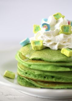 Green pancakes topped with lucky charms via iheartnaptime.com ...perfect breakfast for Saint Patrick's Day! color pancakes, holiday pancakes, green pancakes, pancak top, lucki charm