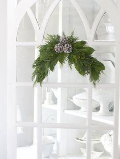 Original_Holiday-Matthew-Mead-Door-Decor_s3x4_lg.jpg (616×821)