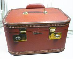 Vintage Lady Baltimore Traincase Luggage