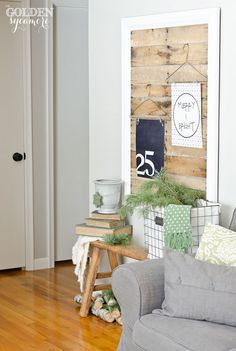 Beautiful Christmas home tour - navy and green color palette.