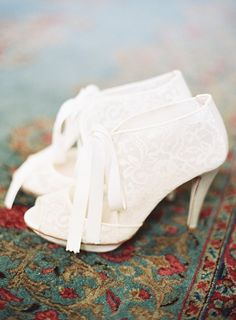 Bridal Booties Available here http://rstyle.me/n/ecgg8qipw Photography: Marissa Lambert - marissalambertphotography.com