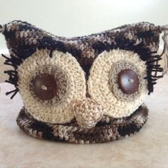Free crochet pattern for a square owl hat.