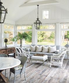 Storied Romance Image Gallery - Hamptons Cottages & Gardens - July 15 2013 - Hamptons