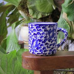 Hand painted ceramic from Colombia colombia, hands, white, thing blue, ceramics, kiosk, blues, amaz blue, mugs