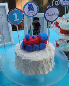 Train Birthday Party Cake train cakes, birthday parties, train birthday, noah birthday, 2nd birthday, party cakes, parti idea