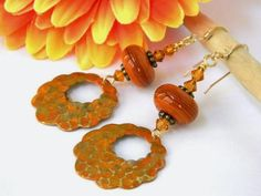 @AnnasAntiques Brilliant design, #colors on lovely handicrafted #Earrings http://fplus.me/p/8VQ2/52f97479
