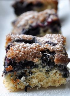 Low Calorie Blueberry Crumb Cake