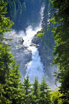 Krimml Waterfalls, High Tauern National Park, Salzburg/ Enjoy a spectacular hike to Austria's highest waterfalls © Boni Villasirga #austria #salzbrug #hohetauern #nationalpark #waterfalls #visitaustria