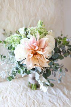 Romantic garden bouquet: http://www.stylemepretty.com/little-black-book-blog/2014/09/30/romantic-paso-robles-winery-wedding/ | Photography: B. Schwartz - http://bschwartzphotography.com/