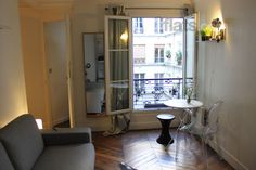 Lovely romantic studio for 2 by the canal St-Martin. €65/night