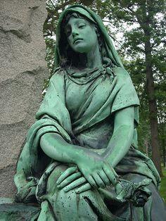 Woodlawn Cemetery, Detroit