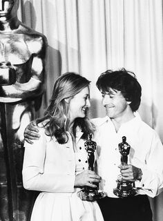 Meryl Streep and Dustin Hoffman posing with their Oscar. Even now, both amazing.