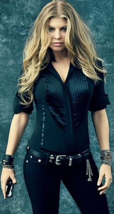 Fergie is just great - isn't she.  Love that hair and her music is awesome!