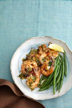Quick and easy Garlic Shrimp recipe. Ready in just 15 minutes!