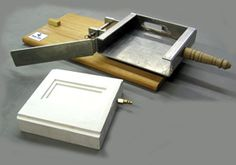 texas tiler - a device for making ceramic tiles quickly