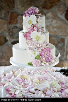 gorgeous flowery cake by Sweet Sensations