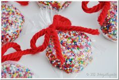 sprinkle oreos sweet treat, chocolate covered oreos, confetti oreo, oreo treats, sprinkl oreo, rainbow sprinkl, easi treat, treat precious, parti