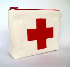 "Red Cross  Medicine Pouch / First aid kit 7"" x 5"" x 2"""