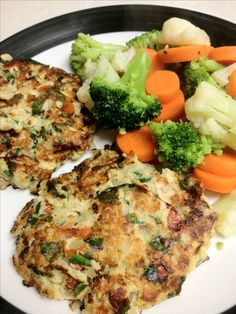 I would like to try these- Tuna burgers, a low carb meal. Use all raw, just chopped the veggies, 2 cans of light tuna in water (drained) for 4 patties. Chopped onions, tomatoes and spinach, one egg, salt, pepper, all mixed together and fried with cooking spray. I think I'll make  this for lunch today