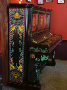 hand painted piano by Jamie McAlpin